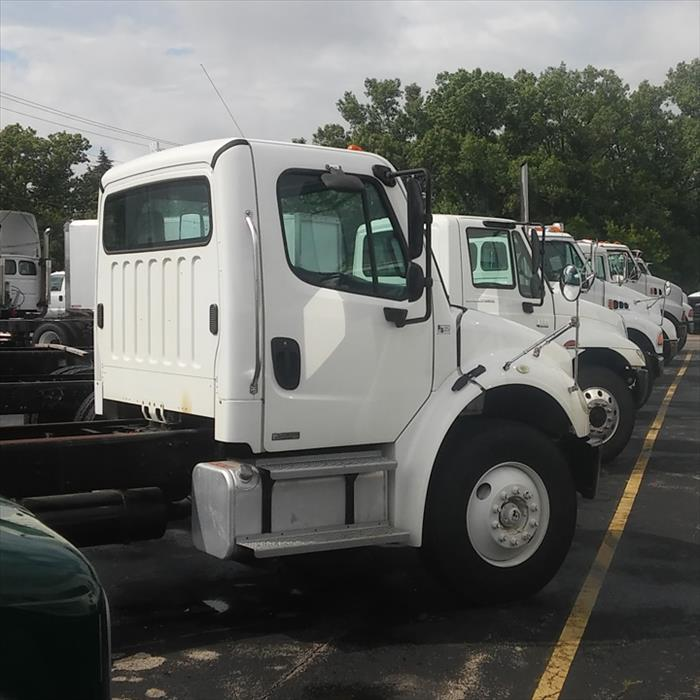 L & S Truck Center Of Appleton, Inc. - Truck Repair & Service - Appleton, WI - Slider 4